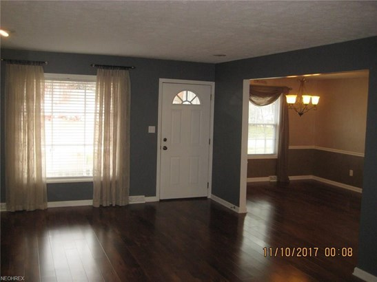 6017 Randy Rd, Bedford Heights, OH - USA (photo 3)