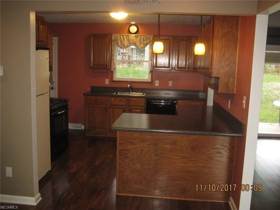 6017 Randy Rd, Bedford Heights, OH - USA (photo 5)