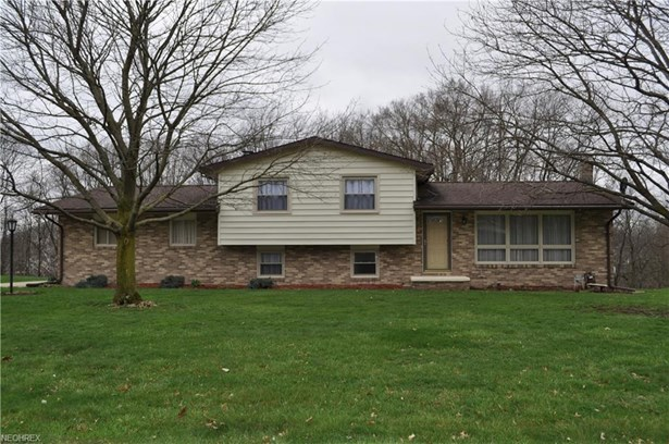 5733 Don Ave Southwest, Navarre, OH - USA (photo 1)