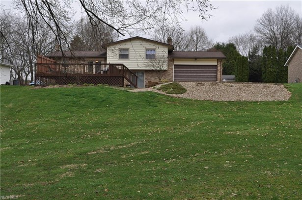 5733 Don Ave Southwest, Navarre, OH - USA (photo 3)