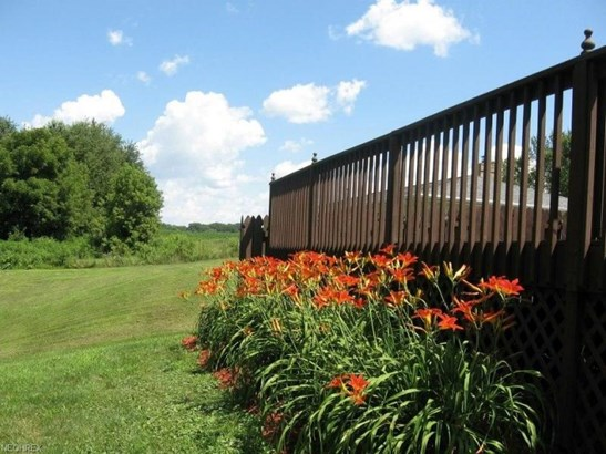 5733 Don Ave Southwest, Navarre, OH - USA (photo 4)
