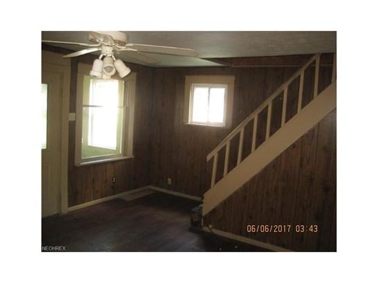 1550 Raymond St, Lakemore, OH - USA (photo 4)