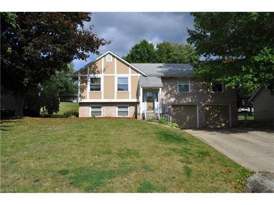 824 Bellarbor Ave Northwest, Canton, OH - USA (photo 1)