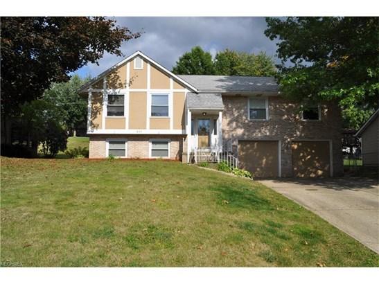 824 Bellarbor Ave Northwest, Canton, OH - USA (photo 2)