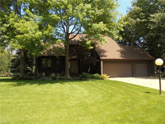 3943 Troon Dr, Uniontown, OH - USA (photo 1)