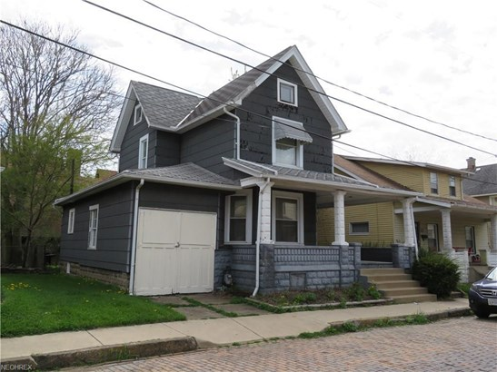 102 Houston St Southwest, Massillon, OH - USA (photo 2)