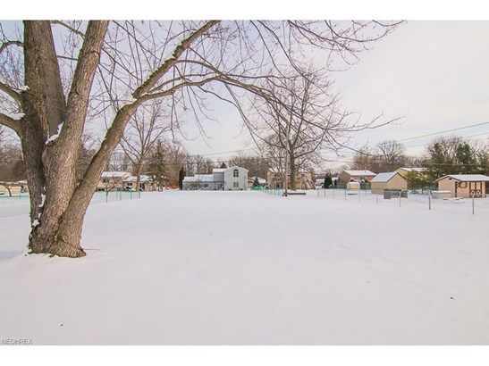 8583 Avondale Ct, Olmsted Township, OH - USA (photo 3)