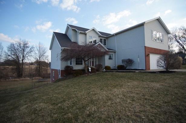 9001 Gladys St Northwest, Massillon, OH - USA (photo 2)
