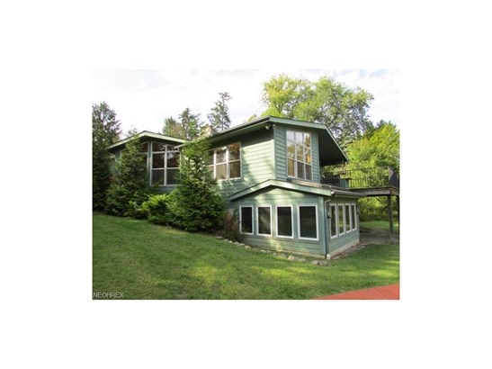 15511 Russell Rd, Chagrin Falls, OH - USA (photo 1)