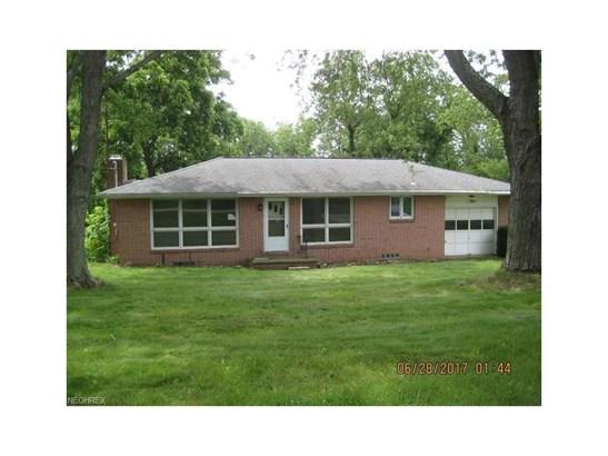 7515 Beth Ave Southwest, Navarre, OH - USA (photo 1)
