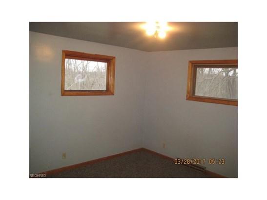 7515 Beth Ave Southwest, Navarre, OH - USA (photo 4)