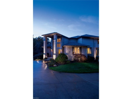 684 Highlands Dr, Akron, OH - USA (photo 1)