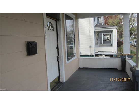 807 Greenfield Ave Southwest, Canton, OH - USA (photo 2)