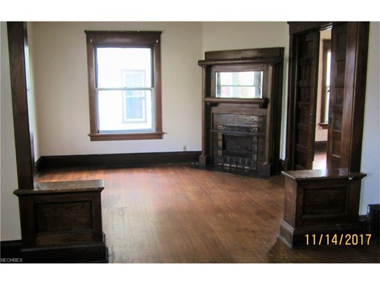 807 Greenfield Ave Southwest, Canton, OH - USA (photo 5)