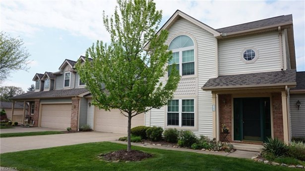 6825 Laurel, Middleburg Heights, OH - USA (photo 1)