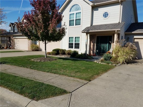6825 Laurel, Middleburg Heights, OH - USA (photo 2)