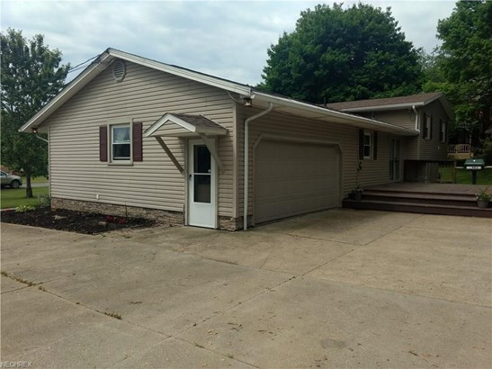 6493 Viking Dr Northeast, East Canton, OH - USA (photo 4)