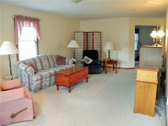 1375 Meadowbrook Ln Northeast, Carrollton, OH - USA (photo 4)