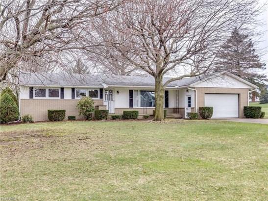 12033 William Penn Ave Northeast, Hartville, OH - USA (photo 2)