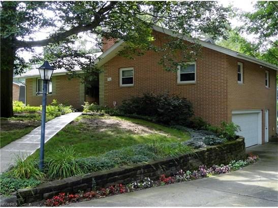8754 Lynn Park St Northeast, Alliance, OH - USA (photo 1)