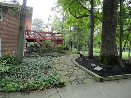 8754 Lynn Park St Northeast, Alliance, OH - USA (photo 2)
