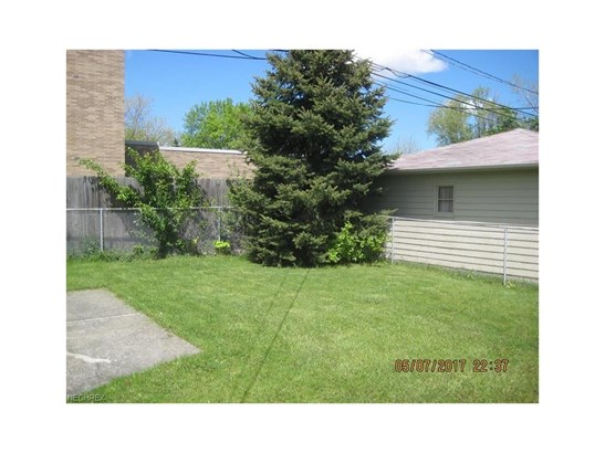 5830 West Glenn Dr, Maple Heights, OH - USA (photo 3)