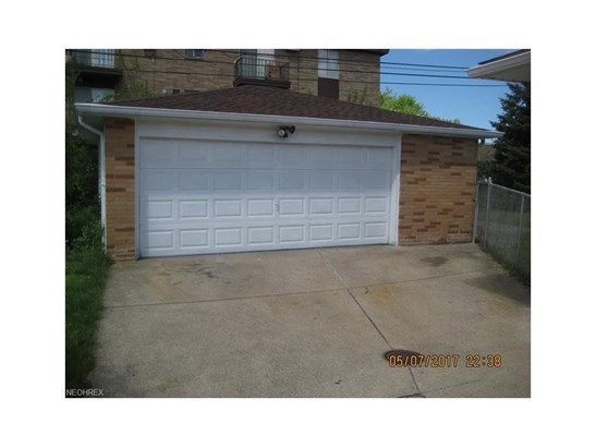 5830 West Glenn Dr, Maple Heights, OH - USA (photo 4)