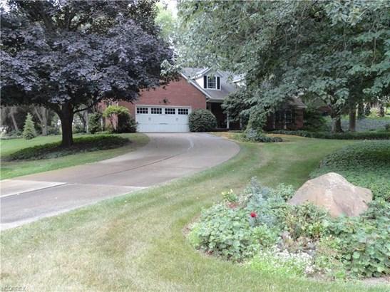 9230 Shadybrook St Northwest, Clinton, OH - USA (photo 2)