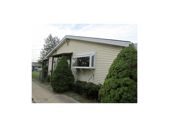 5906 Randy Rd, Bedford Heights, OH - USA (photo 2)