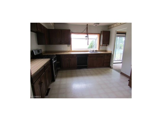 5906 Randy Rd, Bedford Heights, OH - USA (photo 3)