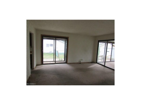 5906 Randy Rd, Bedford Heights, OH - USA (photo 5)