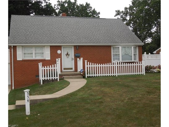 356 Cayuga Ave Northwest, Canton, OH - USA (photo 2)