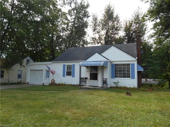 1410 Spangler Rd Northeast, Canton, OH - USA (photo 2)