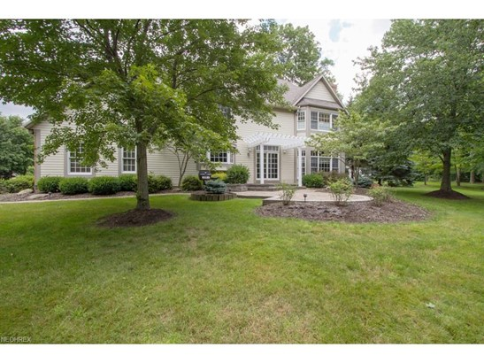 2436 Country Club Dr, Uniontown, OH - USA (photo 4)