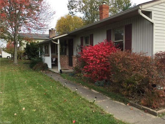 559 Longview Ave, Canal Fulton, OH - USA (photo 3)