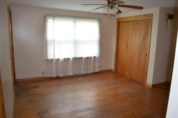 4020 Groveland Ave Southwest, Navarre, OH - USA (photo 4)