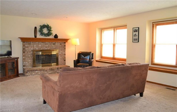 2662 Duquesne Dr, Stow, OH - USA (photo 4)