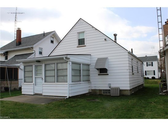 1138 Bellflower Ave Southwest, Canton, OH - USA (photo 2)