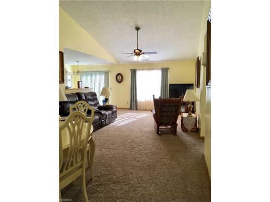 3021 Somerset Dr, Lakemore, OH - USA (photo 5)