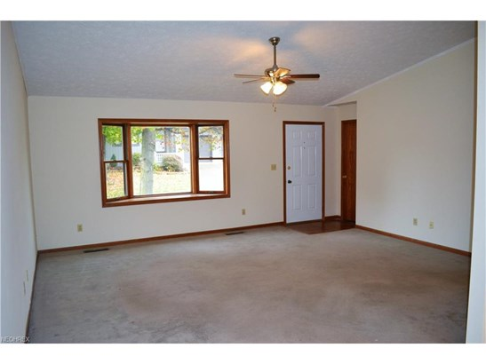1825 Paradise Rd 802, Orrville, OH - USA (photo 2)