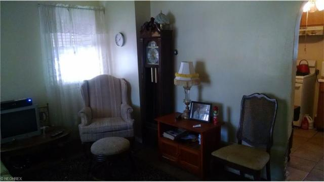 1403 Nome Ave, Akron, OH - USA (photo 3)