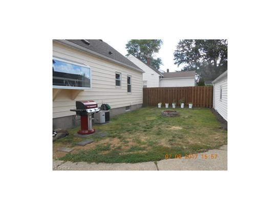 2705 Robindale Ave, Akron, OH - USA (photo 3)