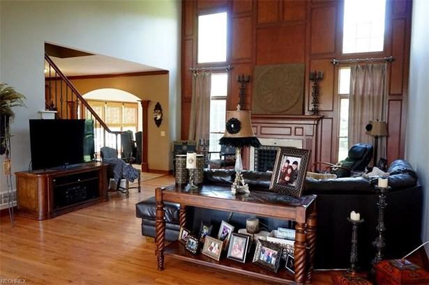 6088 Kinloch Court Cir Northwest, Massillon, OH - USA (photo 3)