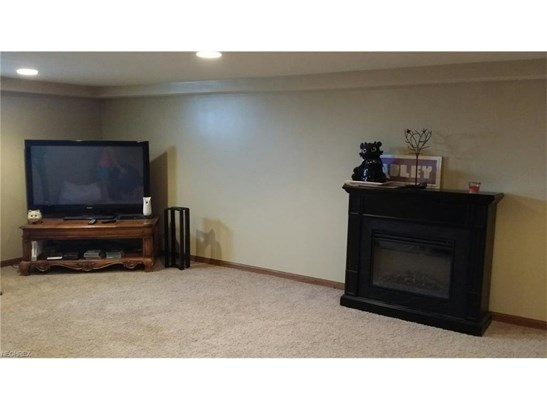 12388 Sarbaugh St Southwest, Massillon, OH - USA (photo 5)