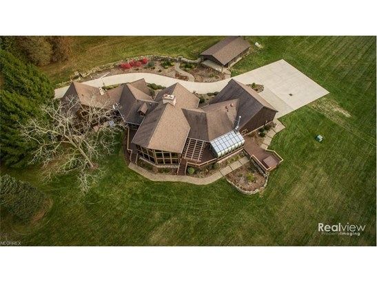 9051 Reef Rd Northeast, Kensington, OH - USA (photo 2)