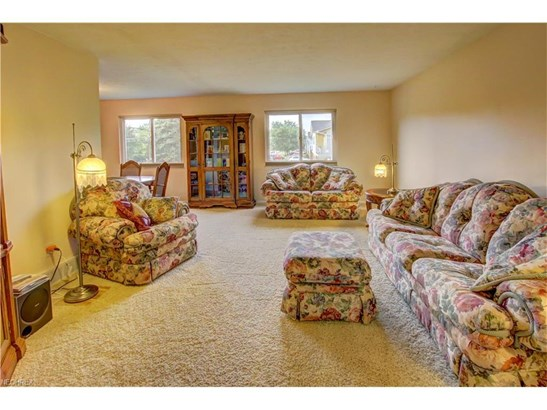 3389 Valley Forge Dr, Brunswick, OH - USA (photo 5)