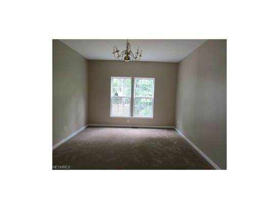 10109 Brushwood Dr, Streetsboro, OH - USA (photo 5)