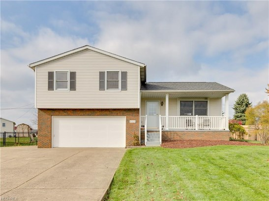8183 Turquoise Ave Northeast, Canton, OH - USA (photo 1)