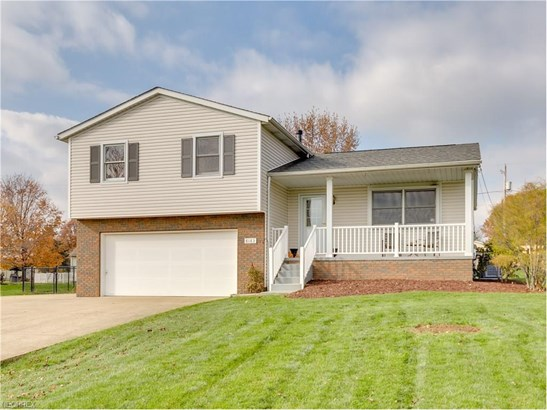 8183 Turquoise Ave Northeast, Canton, OH - USA (photo 2)