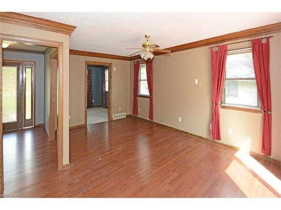 261 Crosse Rd, Amherst, OH - USA (photo 5)